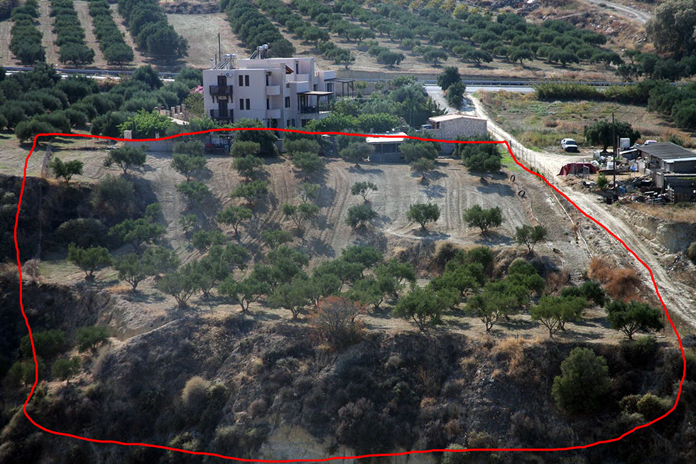 Build your own house or villa just 500 meters from the beach.