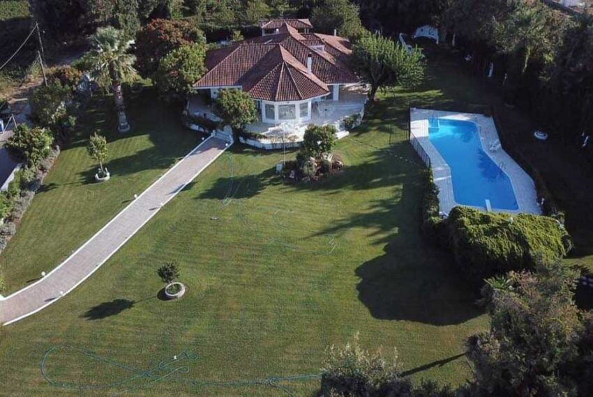 Big-Villa-for-sale-in-Greece