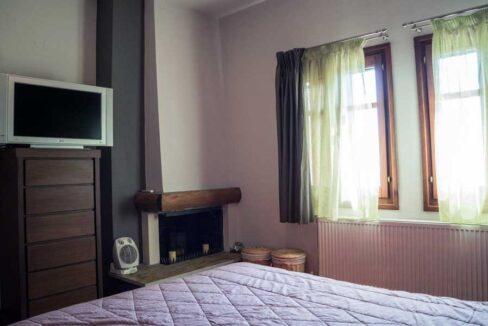 Master-Bedroom-1st-floor-b