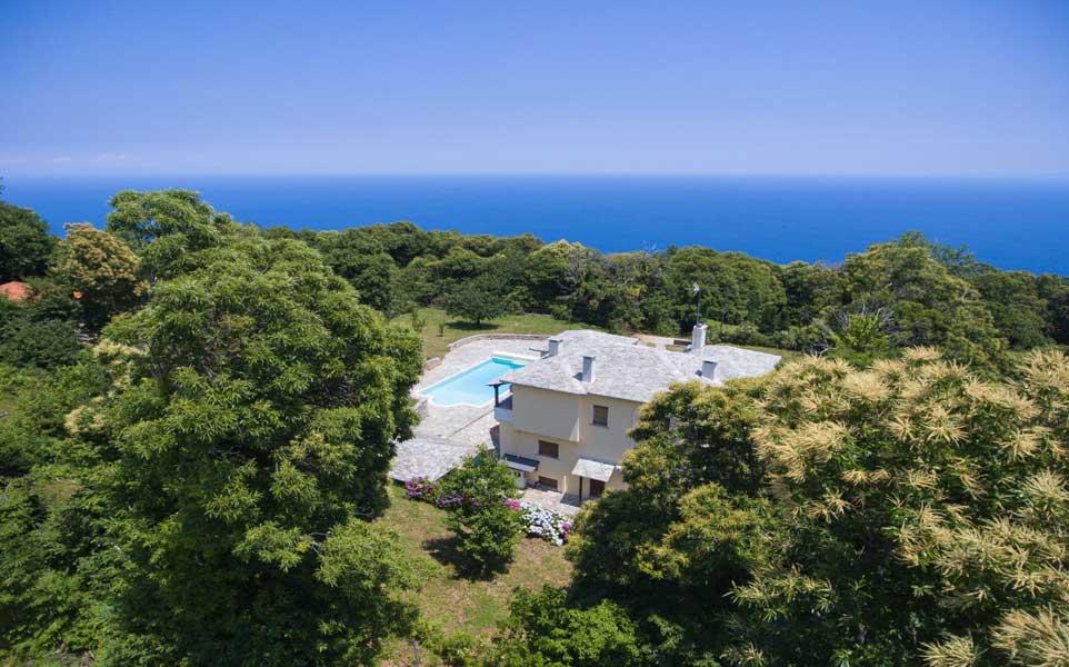 villa-with-sea-view-in-greece